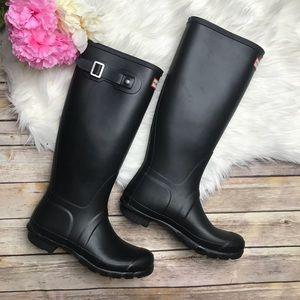 Hunter Matte Black Boots